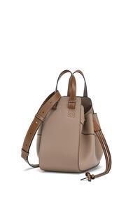 LOEWE Small Hammock Drawstring bag in soft grained calfskin Sand/Mink Color pdp_rd