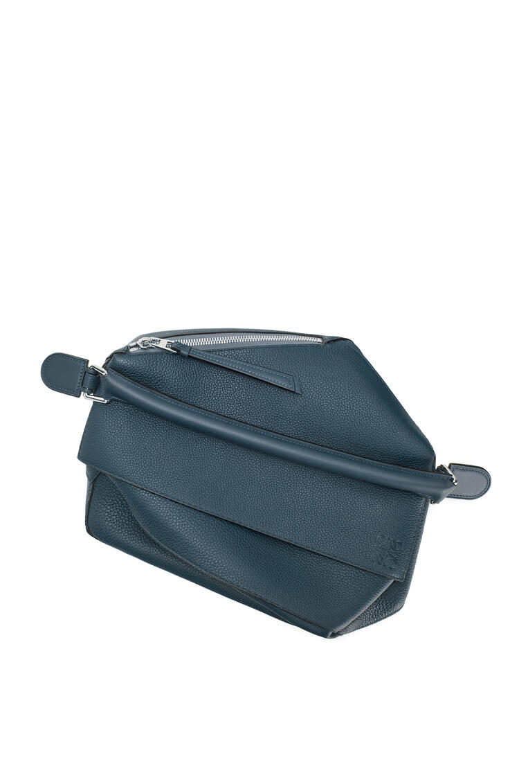 LOEWE Large Puzzle Edge bag in grained calfskin Indigo Dye pdp_rd
