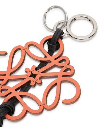 LOEWE Charm Monograma Naranja front