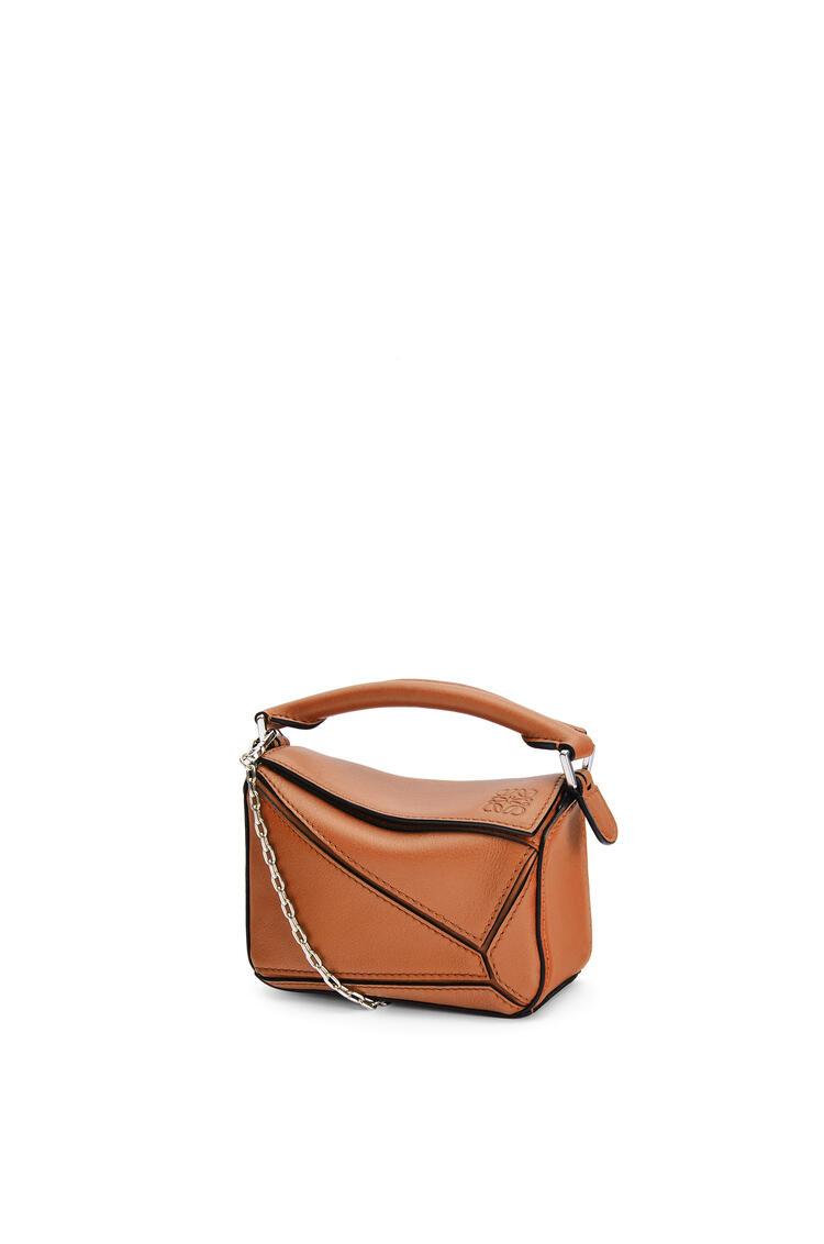 LOEWE Nano Puzzle bag in classic calfskin Tan pdp_rd