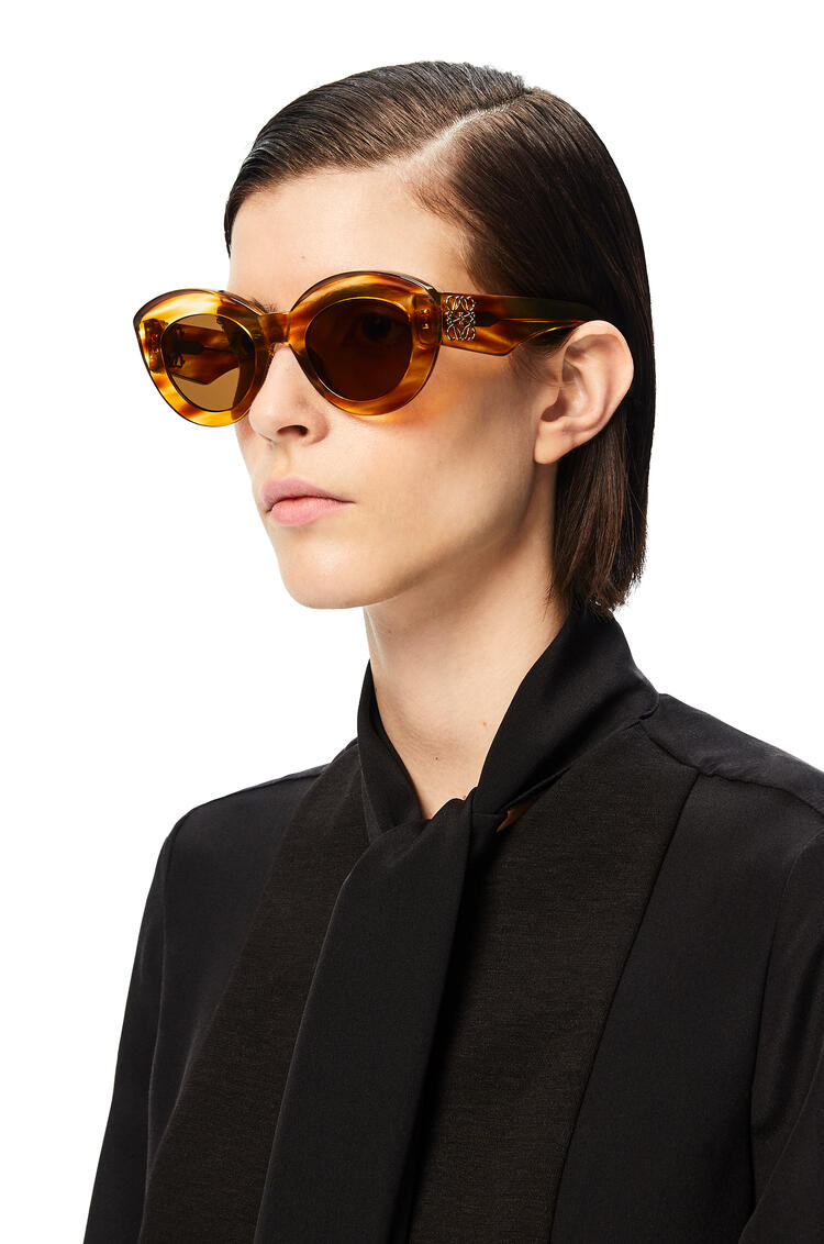 LOEWE Butterfly Anagram sunglasses in acetate Striped Havana pdp_rd