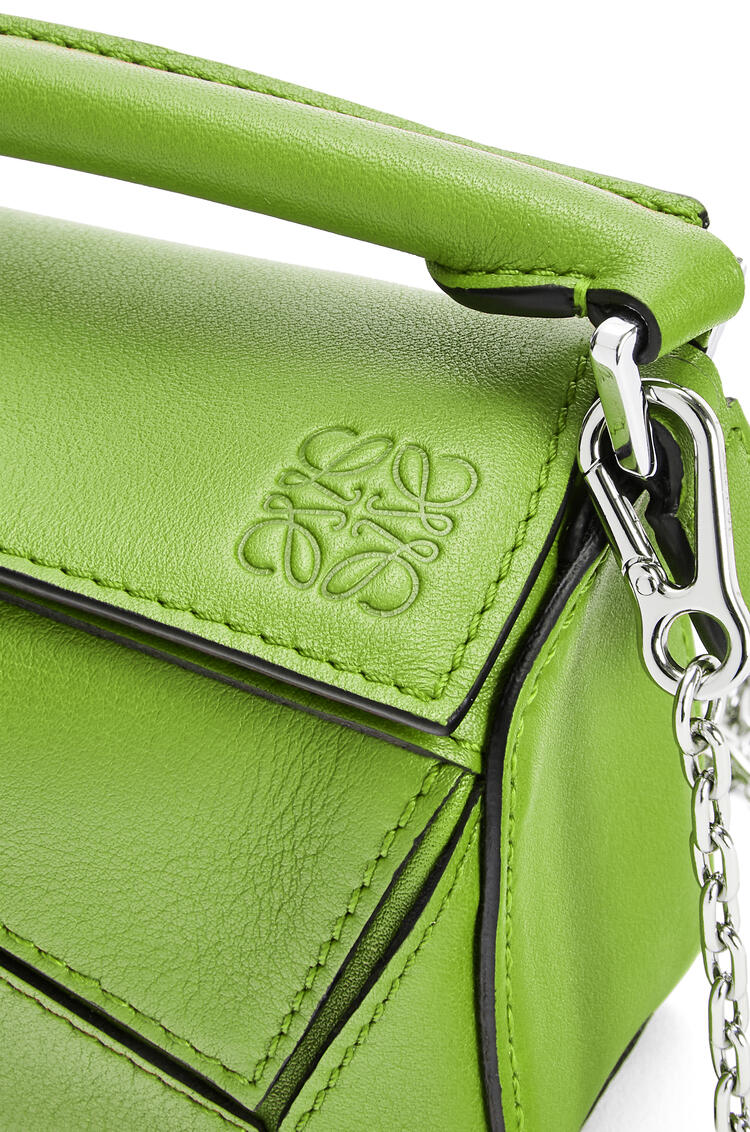 LOEWE Nano Puzzle bag in classic calfskin Apple Green pdp_rd