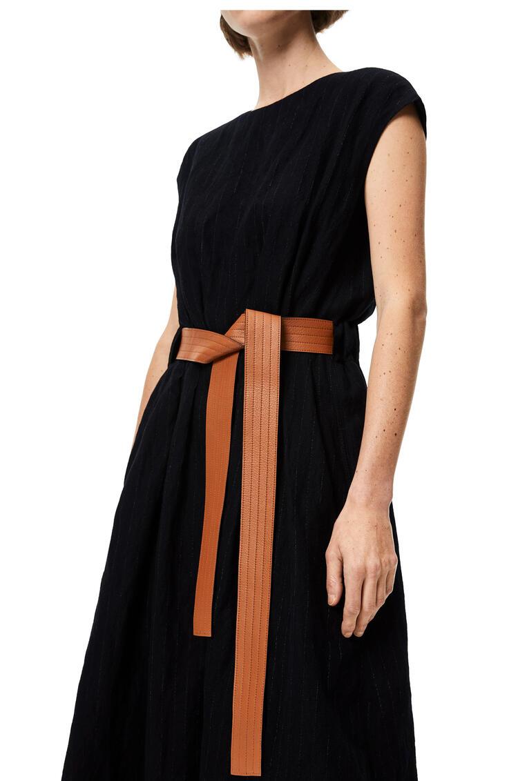 LOEWE Vestido midi en lana con cinturón Negro/Blanco pdp_rd
