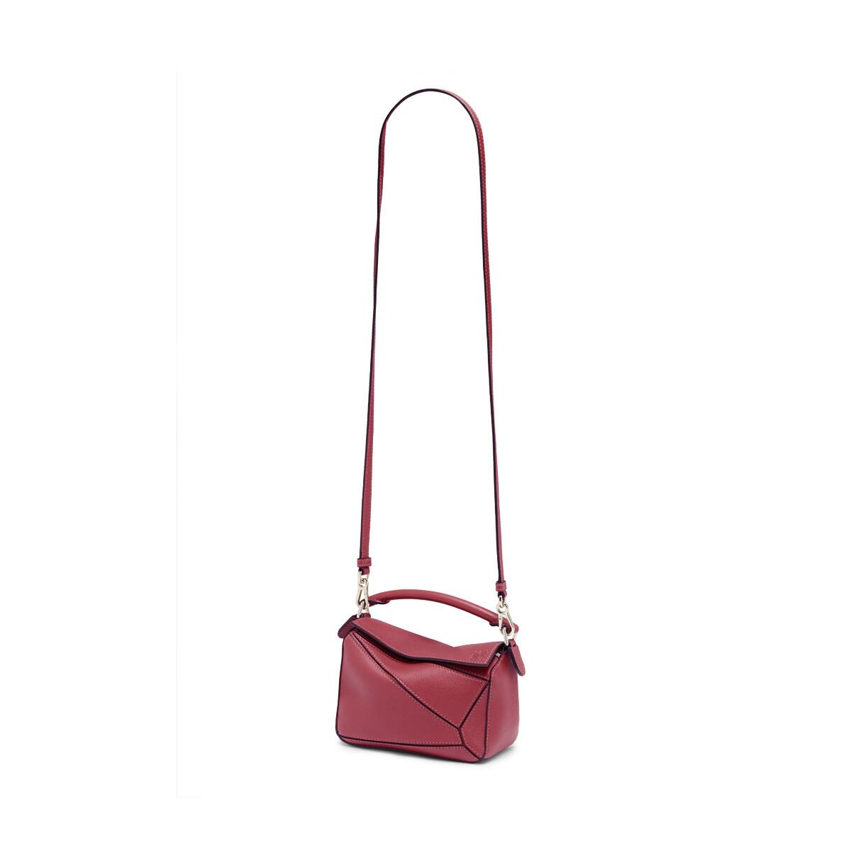 LOEWE Puzzle Mini Bag Raspberry front
