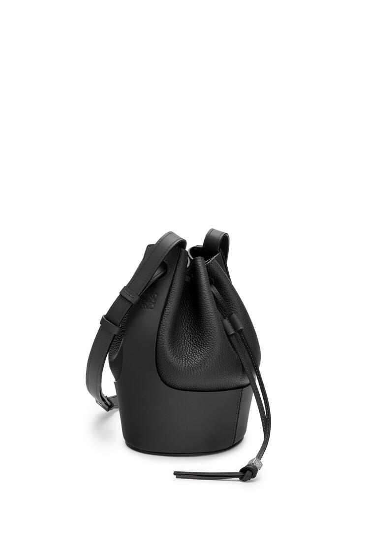 LOEWE Small Balloon bag in grained calfskin Black pdp_rd