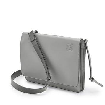 LOEWE Gusset Flat Messenger Bag ガンメタル front