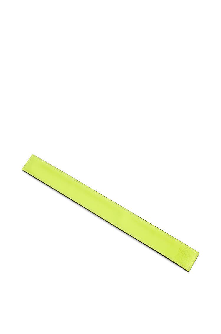 LOEWE Pulsera automática pequeña en piel de ternera clásica Amarillo Neon pdp_rd