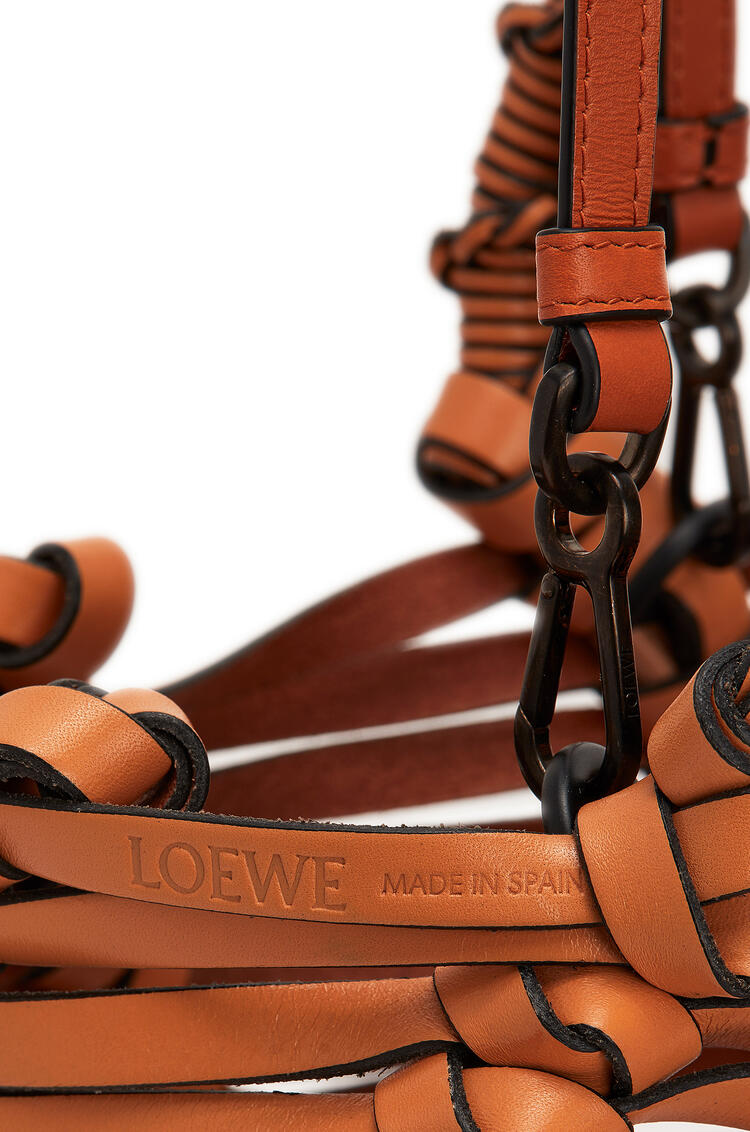LOEWE Fringes bucket bag in calfskin Tan pdp_rd