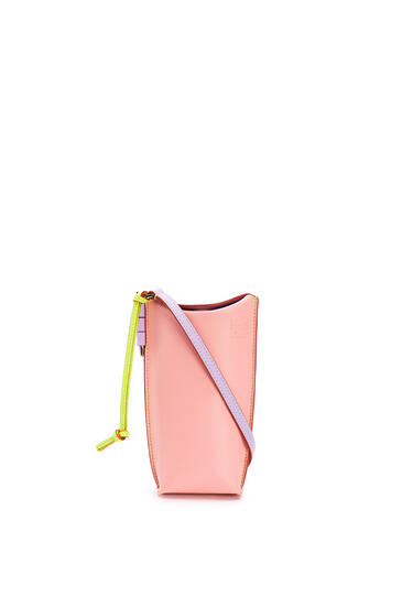LOEWE ゲートポケット (ソフト カーフスキン) Peach Pink/Soft Apricot pdp_rd