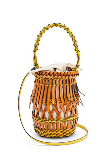 LOEWE 牛皮革流苏 Bucket 手袋 棕褐色/黄色 pdp_rd