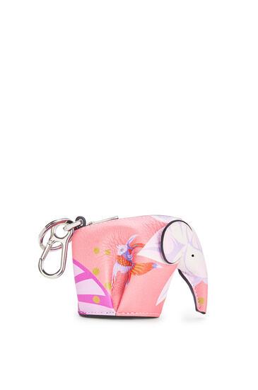 LOEWE Charm Elefante En Piel De Ternera Clásica Con Estampado De Nenúfares Rosa pdp_rd
