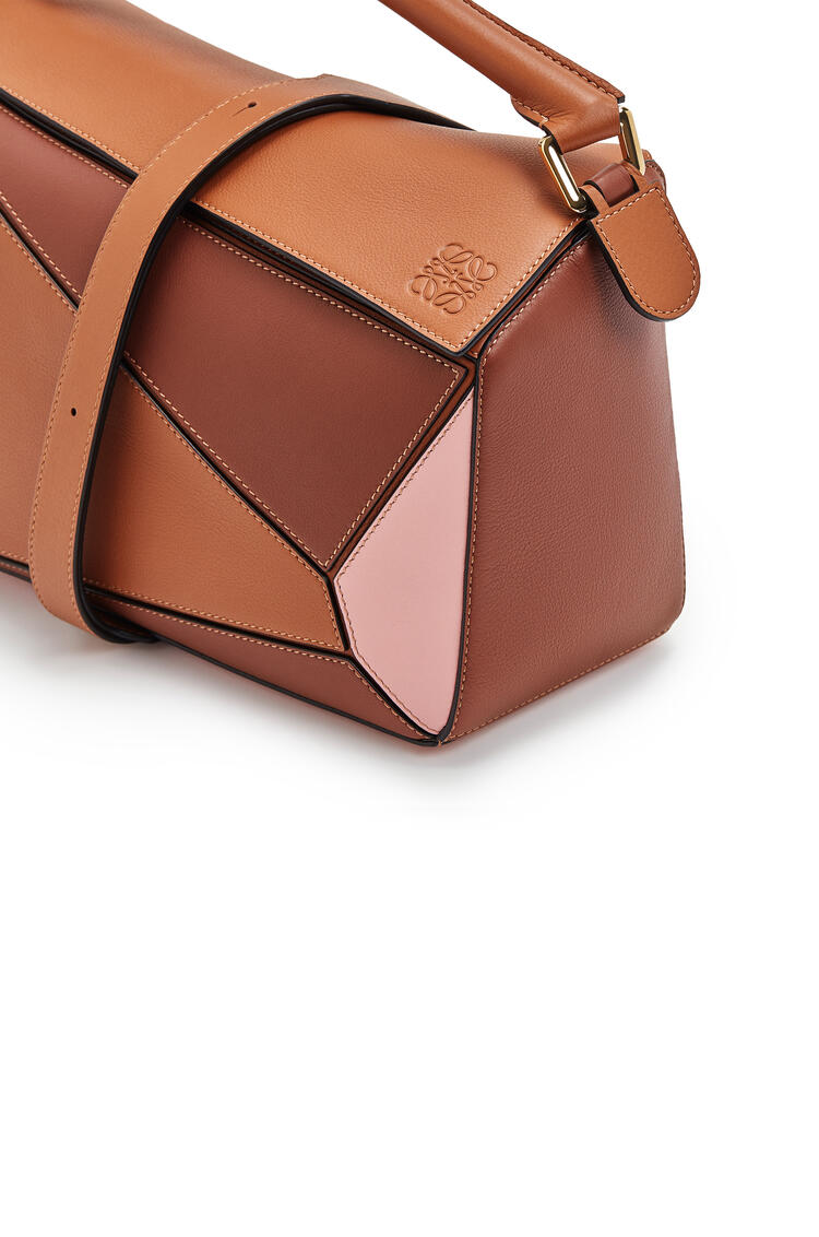 LOEWE Puzzle Bag In Classic Calfskin Tan/Medium Pink pdp_rd