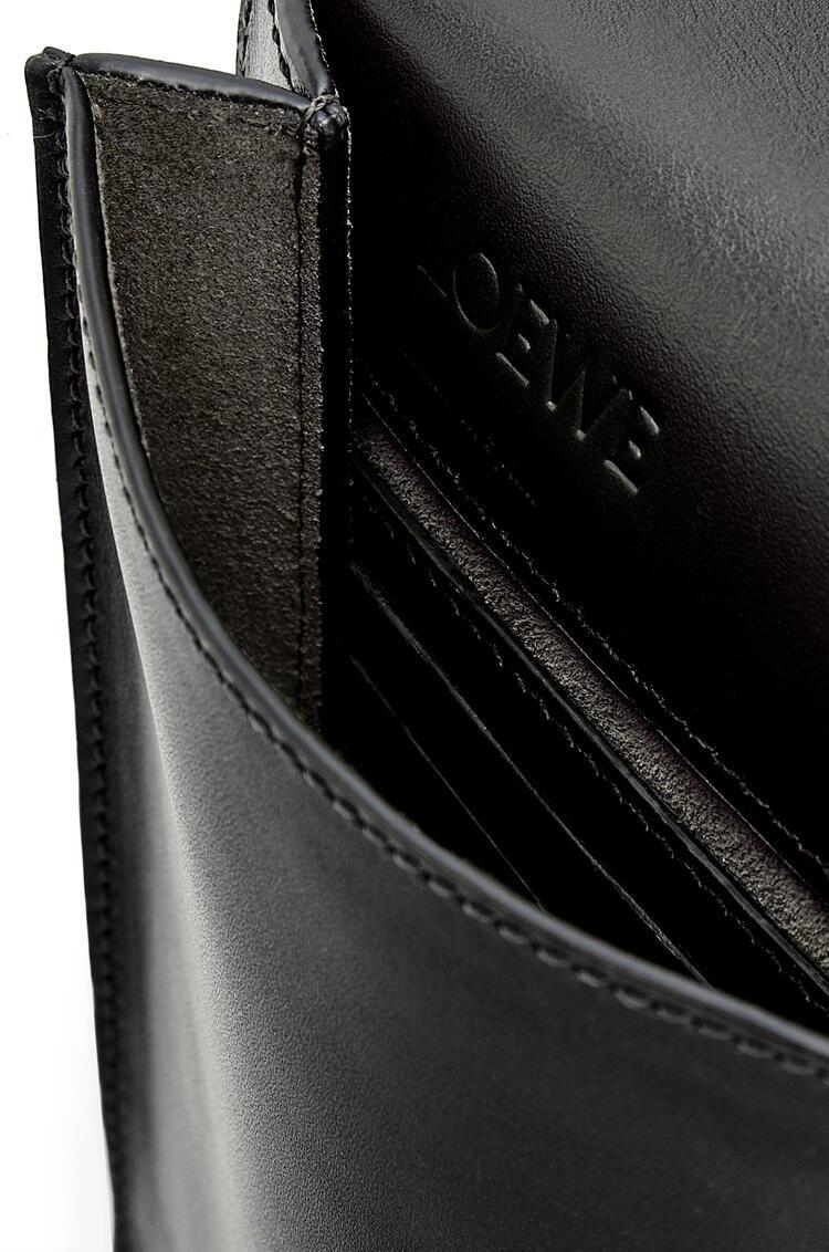 LOEWE Gusset Flat Crossbody Bag In Smooth Calfskin Black pdp_rd