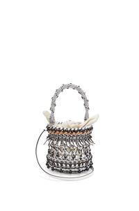 LOEWE Bolso Bucket fringes pequeño en piel de ternera con cuentas Blanco pdp_rd