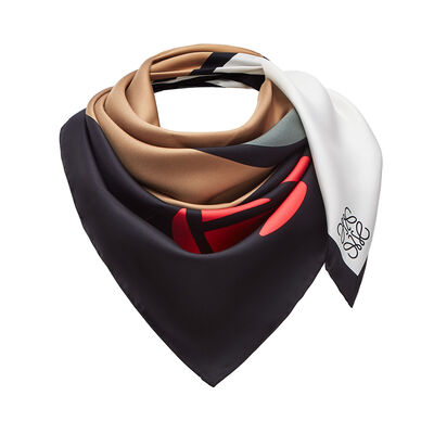 LOEWE 90X90 Scarf Roses Beige/Red front
