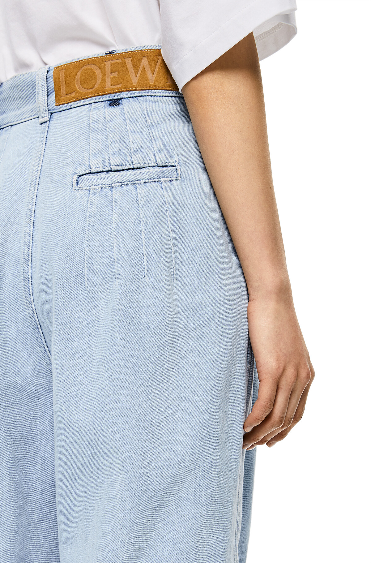 LOEWE Cropped Baloon Denim Pants Light Blue front