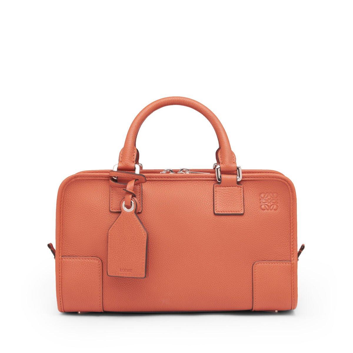 30代の女性に人気のロエベのレディースバッグ
