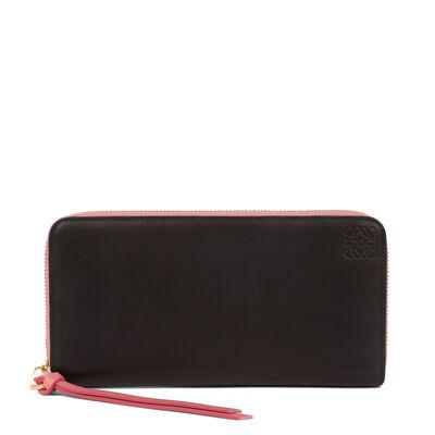 LOEWE Zip Around Wallet Black/Candy front