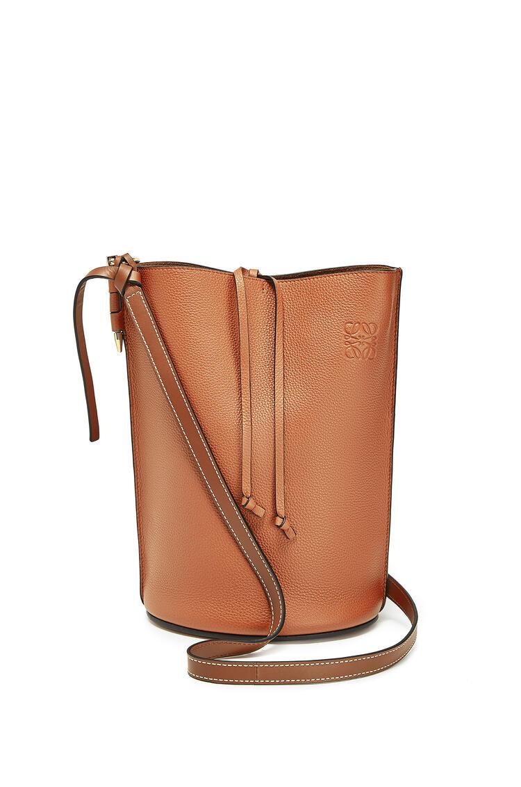 LOEWE Gate Bucket bag in soft grained calfskin Light Caramel/Pecan pdp_rd