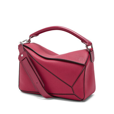 LOEWE Puzzle Bag Raspberry front
