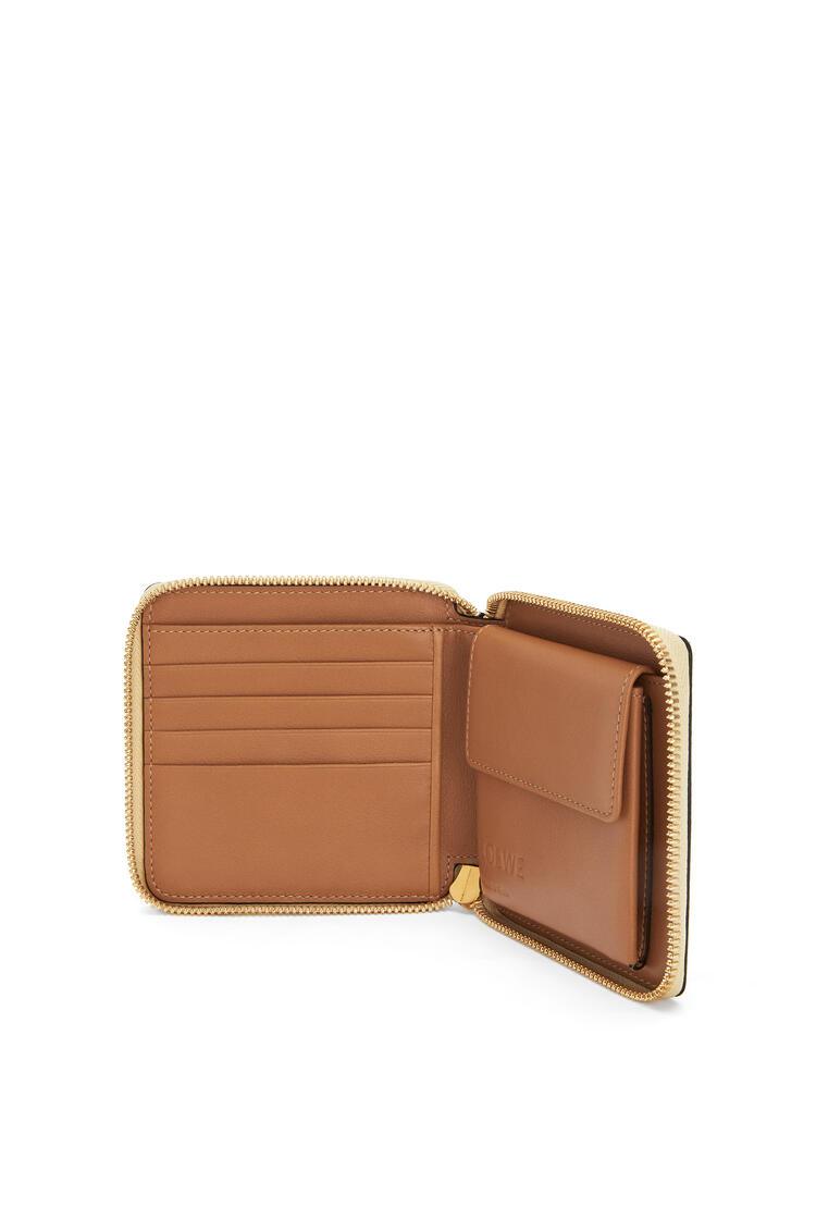 LOEWE Puzzle Square Zip Wallet In Classic Calfskin Dune/Vanilla pdp_rd
