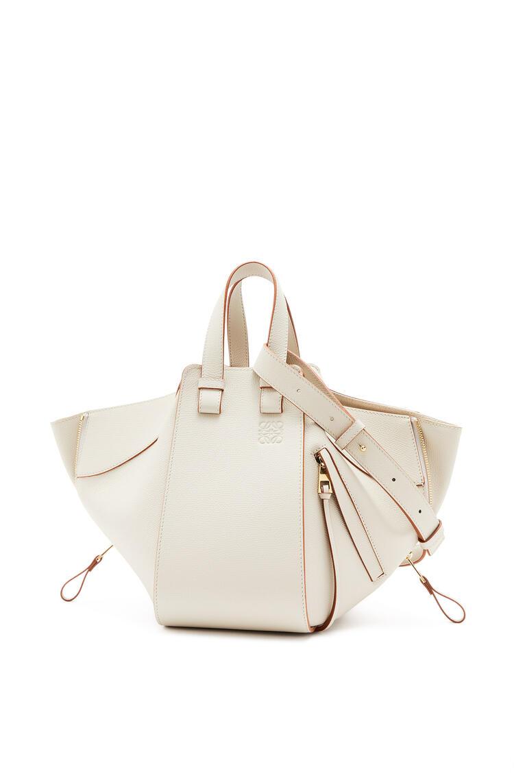 LOEWE Small Hammock bag in pebble grain calfskin Light Ghost pdp_rd