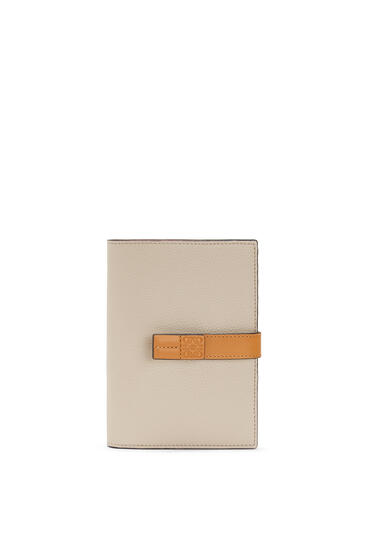 LOEWE Medium Vertical Wallet in soft grained calfskin Light Oat/Honey pdp_rd