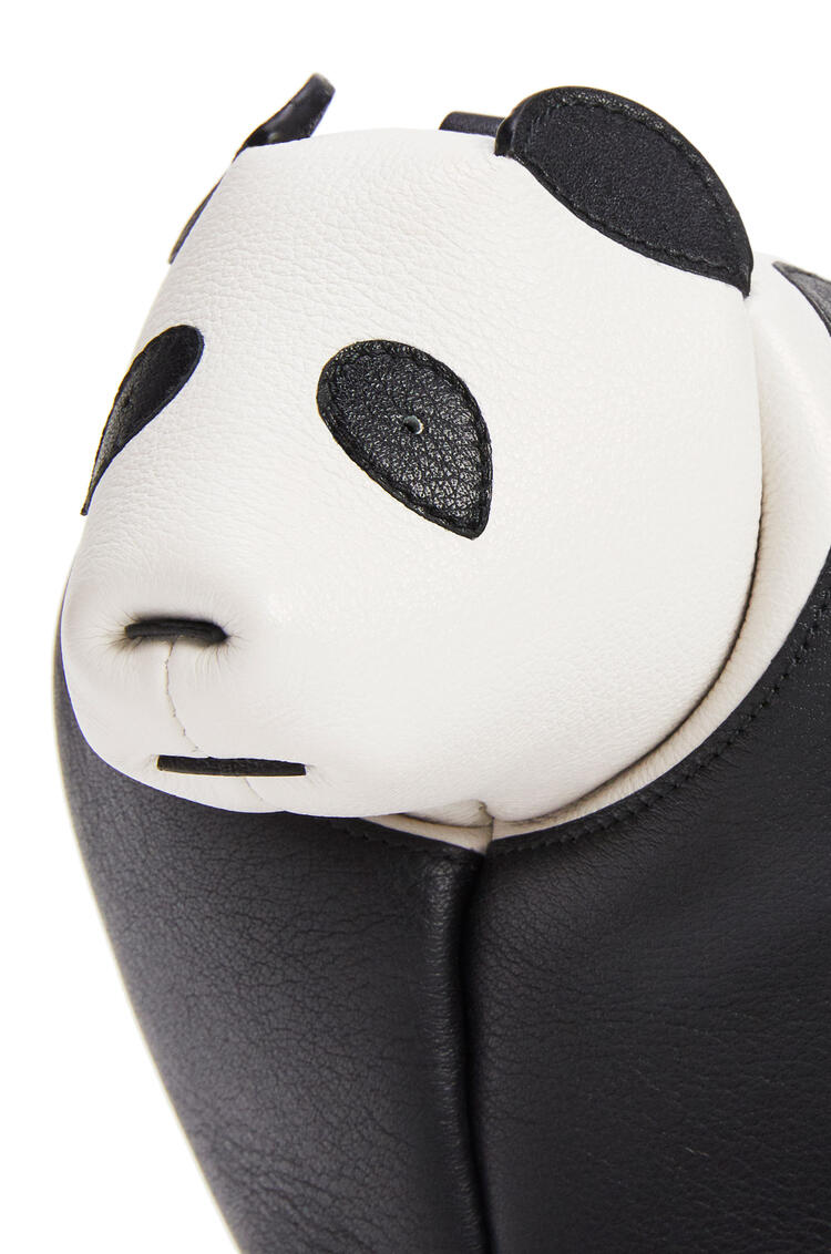 LOEWE 迷你经典小牛皮 Panda 手袋 黑色/白色 pdp_rd