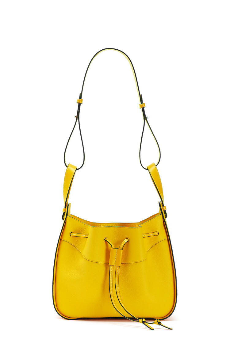 LOEWE Small Hammock Drawstring bag in soft grained calfskin 黃 pdp_rd