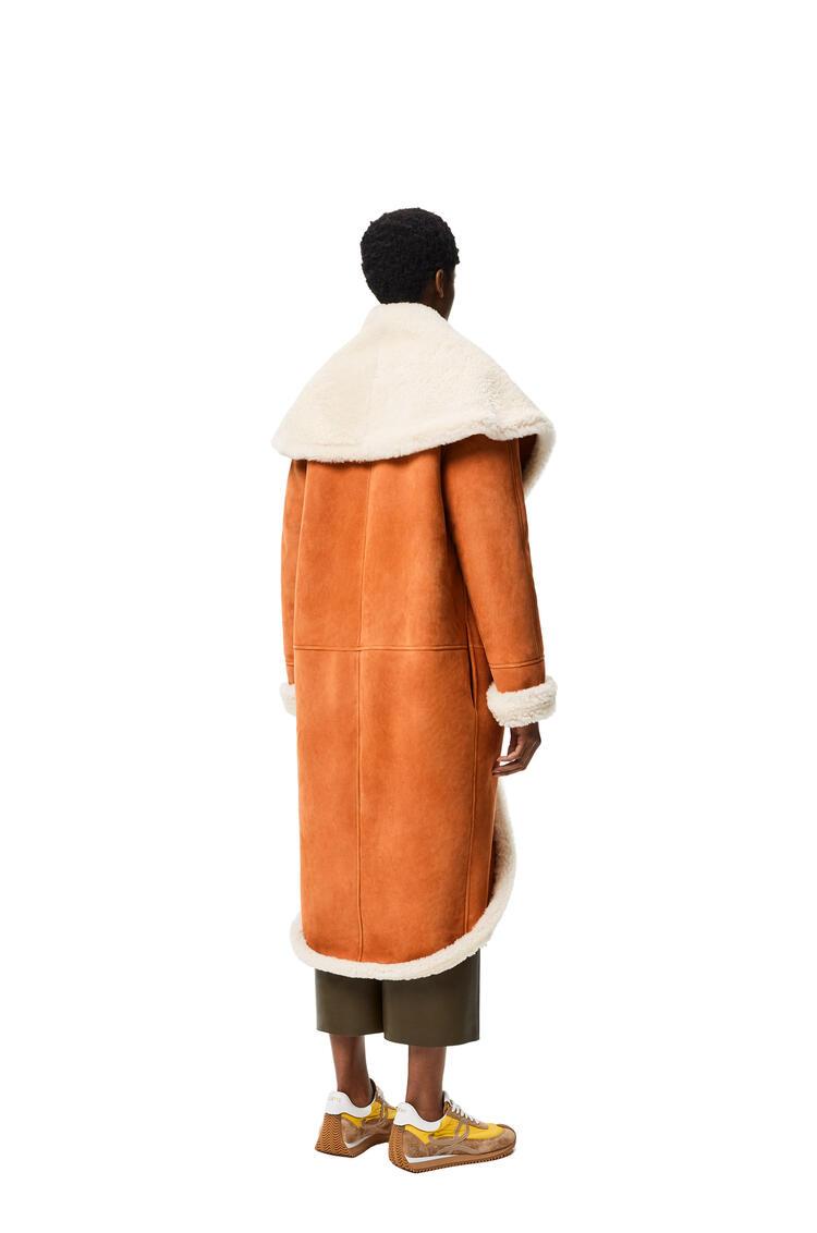 LOEWE Shawl collar coat in shearling White/Camel pdp_rd