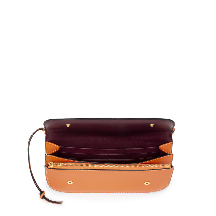 LOEWE 光滑小牛皮 Gate 手抓包 Light Caramel/Oxblood pdp_rd