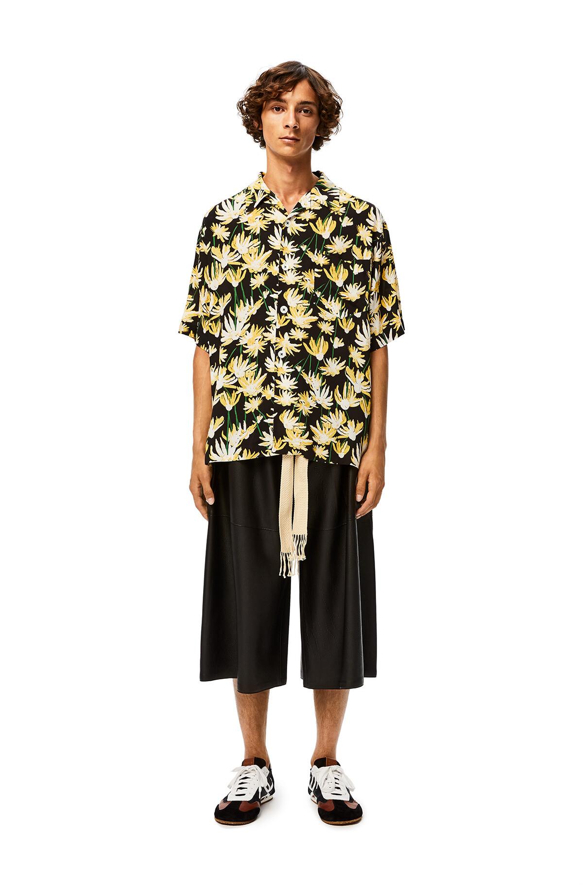 LOEWE Shorts 黑色 front