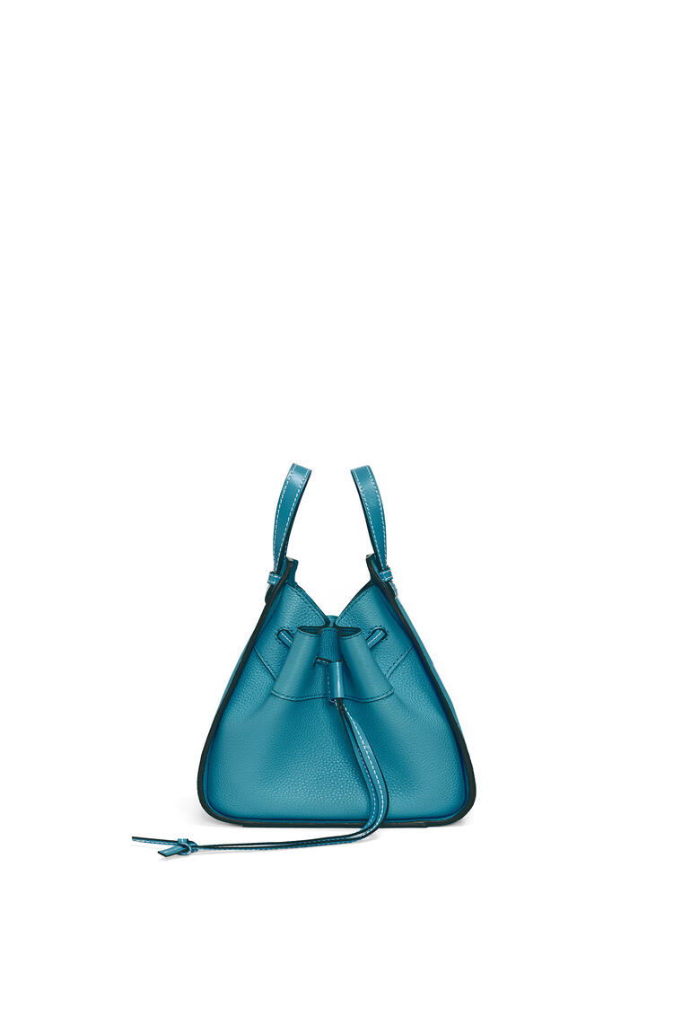 LOEWE Mini Hammock Drawstring Bag In Soft Grained Calfskin 祖母綠 pdp_rd