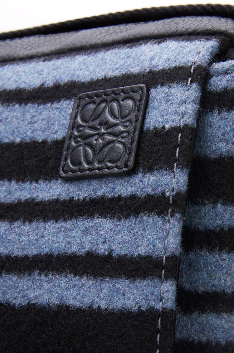 LOEWE Bolso Military Messenger XS en tela de rayas y piel de ternera Azul/Negro pdp_rd