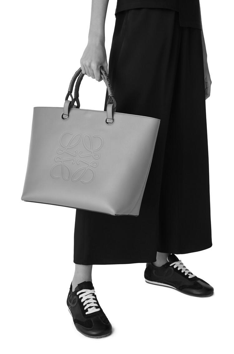 LOEWE Anagram tote bag in classic calfskin Rosemary pdp_rd