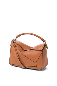 LOEWE Large Puzzle bag in classic calfskin Tan pdp_rd