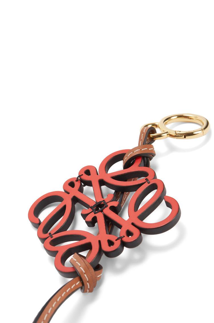 LOEWE Anagram Charm In Calfskin Red pdp_rd