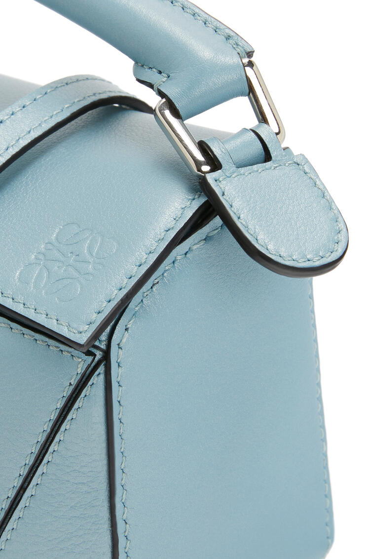 LOEWE Mini Puzzle Bag In Pearlized Calfskin Light Blue pdp_rd
