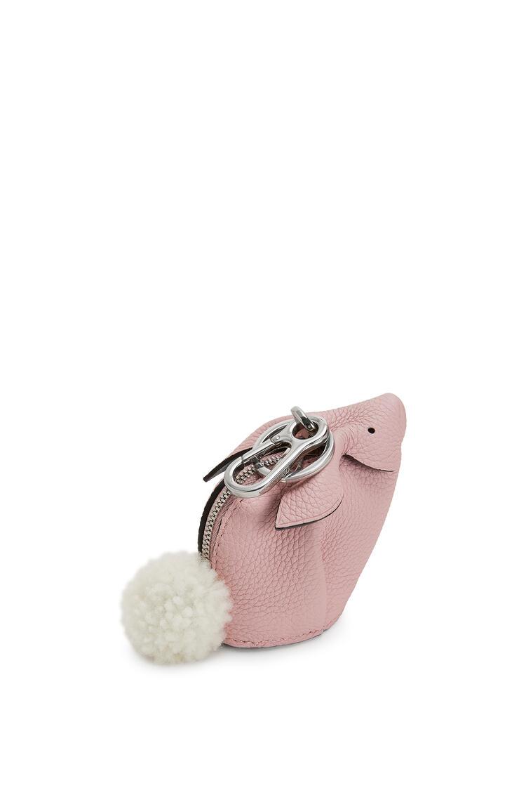 LOEWE バニー チャーム(ソフト グレイン カーフスキン) Pastel Pink pdp_rd