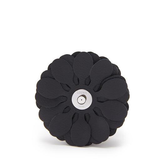 LOEWE Stud Flower Black front