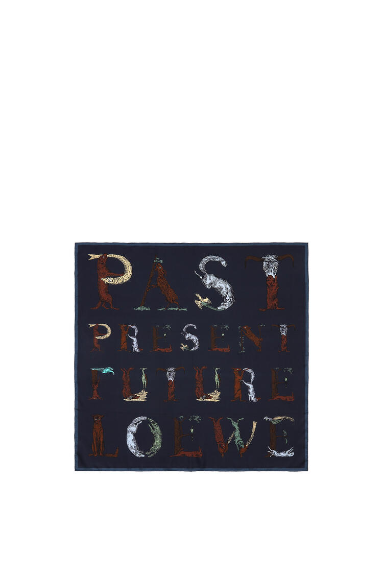 LOEWE 90 x 90 cm 字母桑蚕丝围巾 海军蓝 pdp_rd