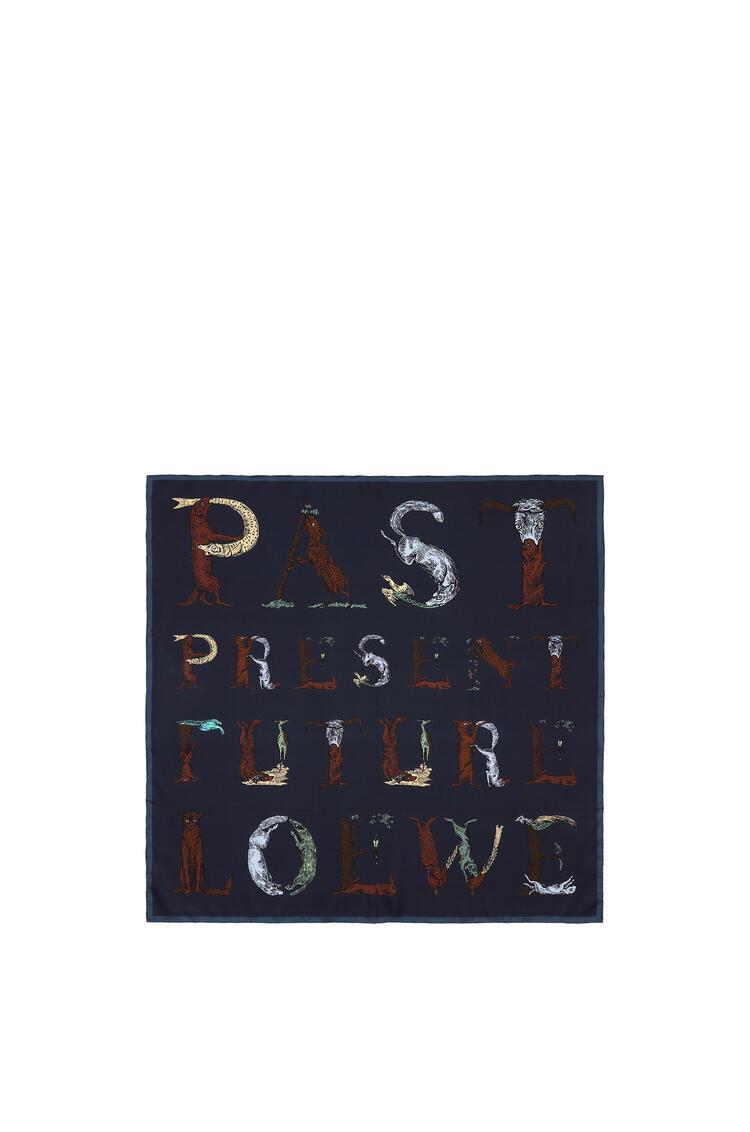 LOEWE 90 x 90 cm アルファベット スカーフ(シルク) ネイビーブルー pdp_rd