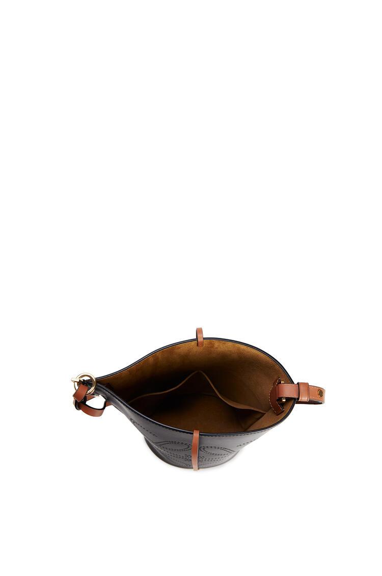 LOEWE Anagram Gate Bucket bag in natural calfskin Black/Tan pdp_rd