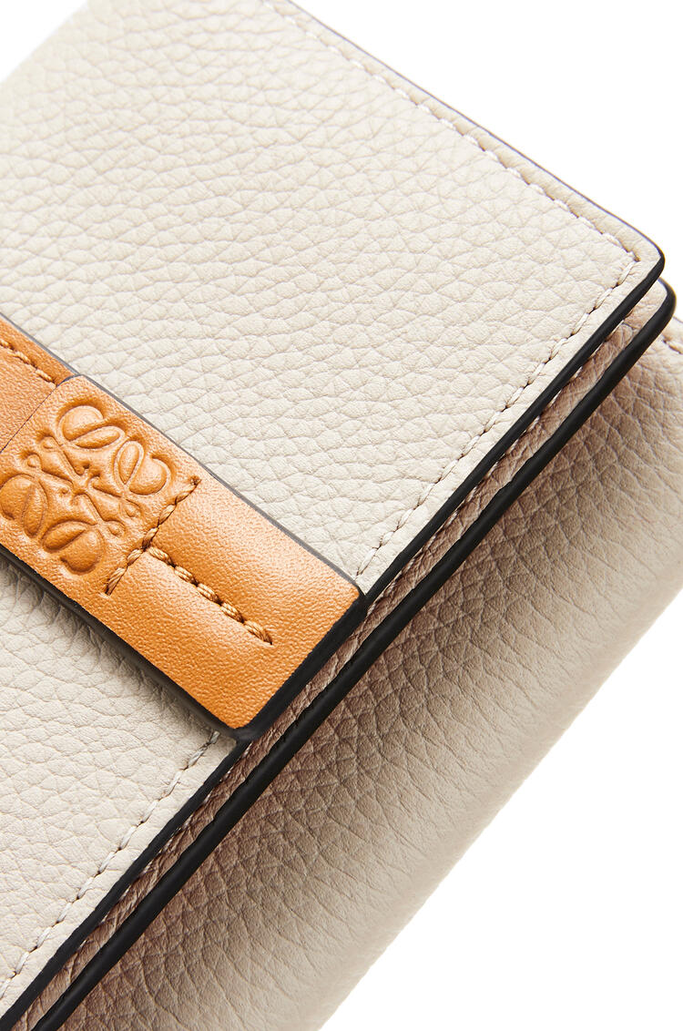 LOEWE Trifold wallet in soft grained calfskin Light Oat/Honey pdp_rd