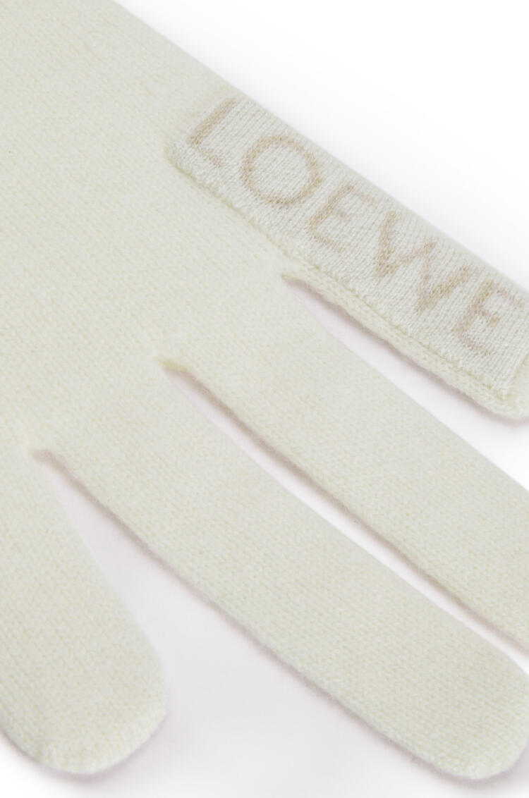 LOEWE Hand scarf in cashmere ホワイト/ベージュ pdp_rd