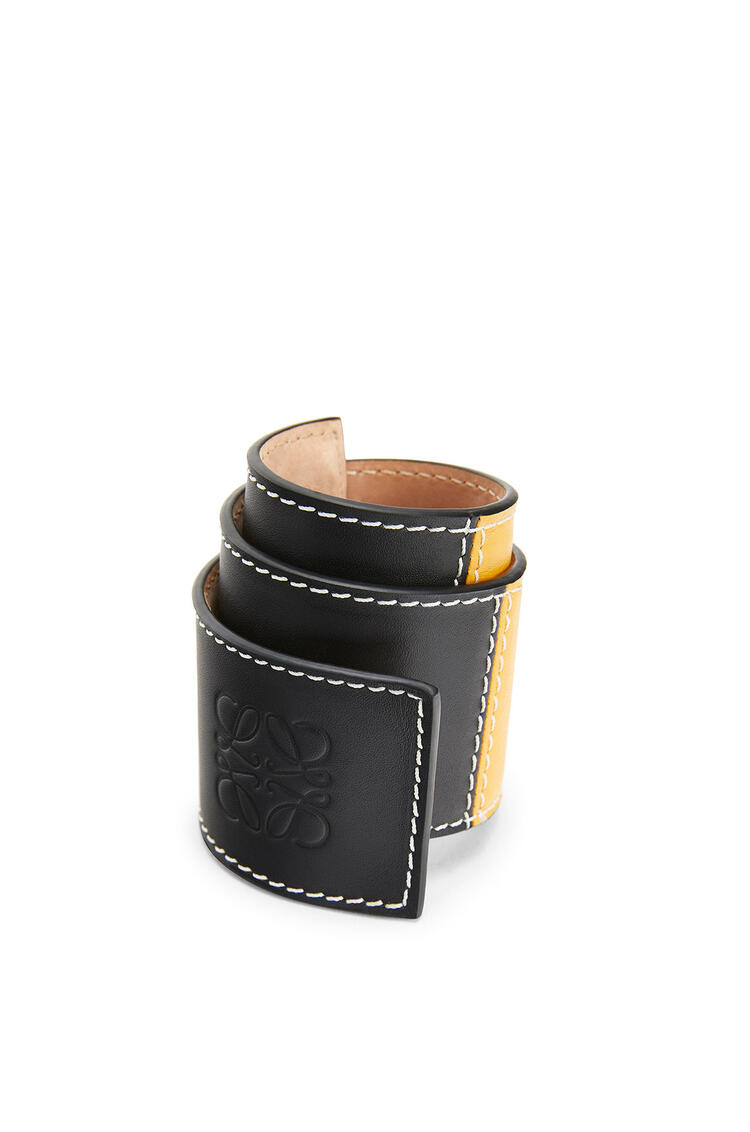 LOEWE Big slap bracelet in smooth calfskin Black/Yellow pdp_rd
