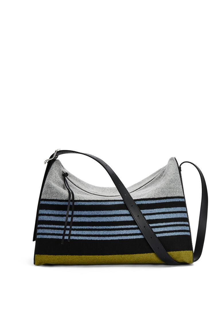 LOEWE Bolso Berlingo grande en tela de rayas y piel de ternera Azul/Negro pdp_rd