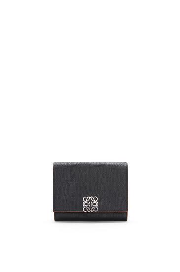 LOEWE アナグラム トリフォルド 6 cc ウォレット (ペブル グレイン カーフスキン) ブラック pdp_rd
