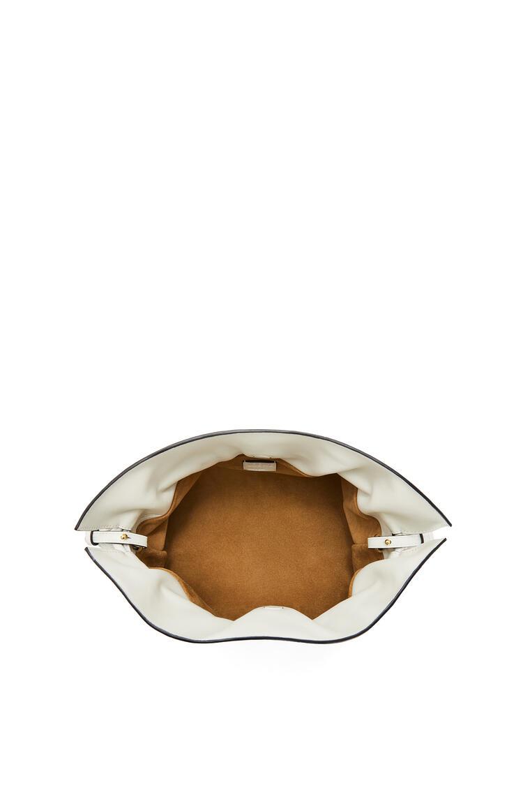 LOEWE フラメンコクラッチ (ナパカーフ) ソフトホワイト pdp_rd