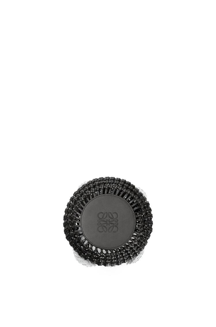LOEWE Bolso Flower Bucket Mesh en piel de ternera Negro pdp_rd